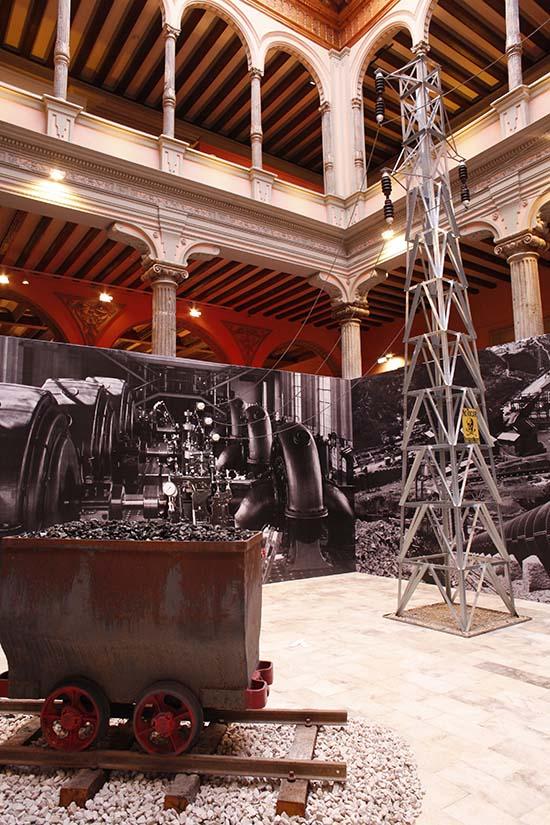 """""""Dicen que hay tierras al Este"""": una visita a l'exposició catalano-aragonesa"""