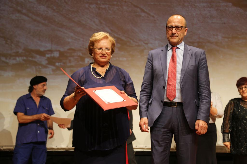 Lo Grup de Teatre Garbinada rep de mans del Govern d'Aragó el premi Desideri Lombarte