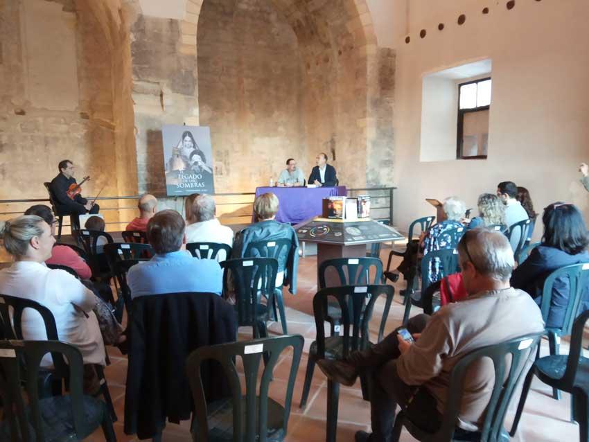 Presentació de 'El legado de las sombras' a Benavarri
