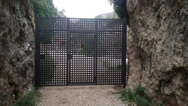 La porta del Parrissal