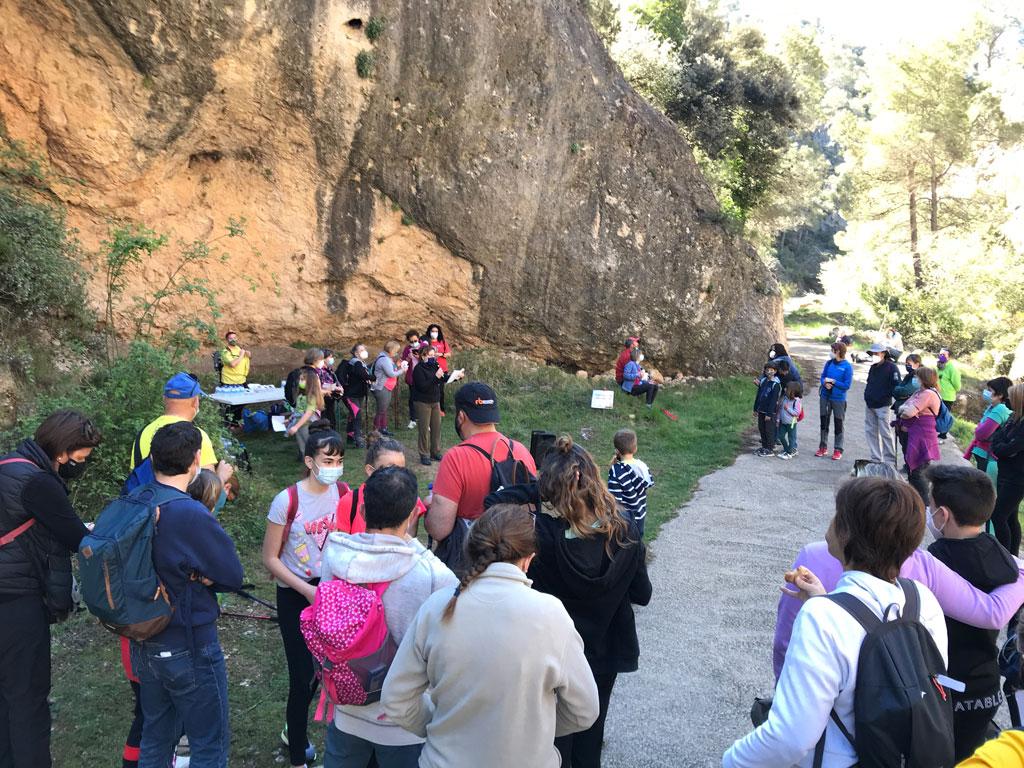 Més de 120 persones participen a la proposta literària i senderista del 'Quedaran les Paraules'